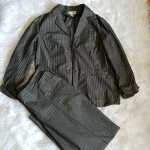 SALE 2cs pin stripe suite Spiegel size 16